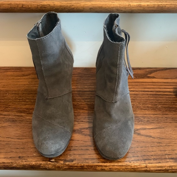 Toms Shoes - Toms wedge gray booties